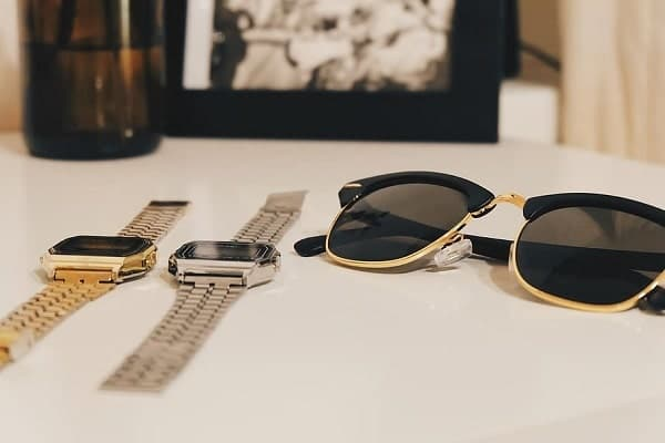Best Accessory Gifts for Vintage Lovers