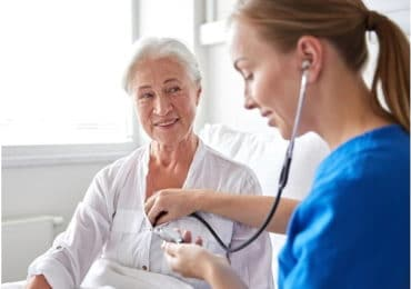 What Kinds of Stethoscopes Are Used by Doctors?