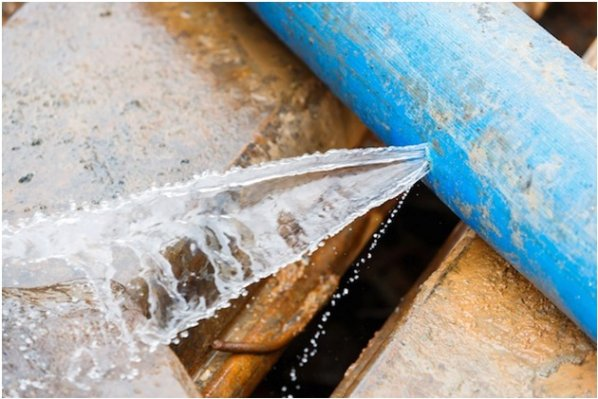 How Do You Know if Your Water Pipes Are Leaking?