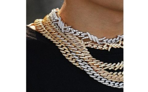 Managing the Clean and Flawless Cuban Link Chains